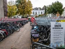 Deventenaar mijdt vernieuwde fietsenstalling in binnenstad: 'Zonde van het geld'