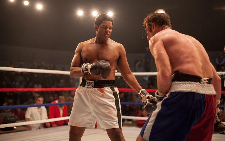 Muhammad Ali versus Chuck Wepner in The Bleeder. Die laatste hield het 15 ronden vol.  Beeld RV Pathé