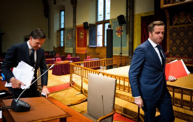 Mark Rutte en Hugo de Jonge voor het ingelaste coronadebat in de Ridderzaal. Beeld Freek van den Bergh / de Volkskrant