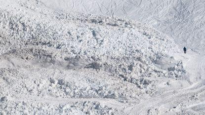 Zeventig reddingswerkers ingezet na lawines: twee doden, één skiër vermist