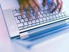 Tientallen laptops voor kinderen uit arme gezinnen