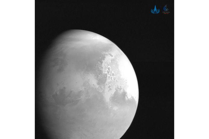 Une vue de la planète Mars capturée par la sonde Tianwen-1.