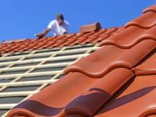 2000 euro voor dakpannen recht leggen: politie waarschuwt voor 'klusjesmannen' in Geleen