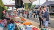 Grootste rommelmarkt van de streek lokt ondanks uitgeregende start een pak volk naar Zingem