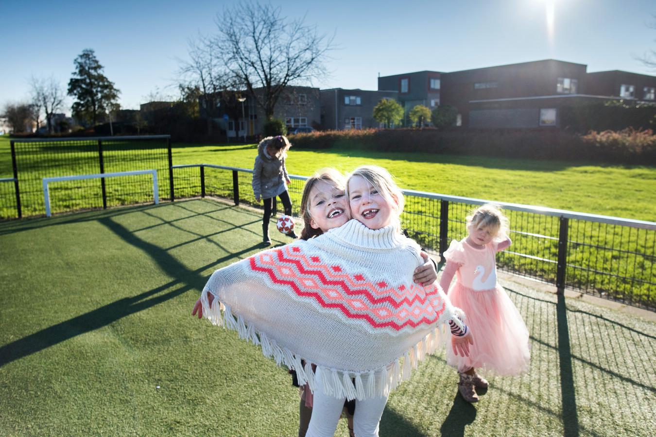 De stad Groningen is door Arcadis uitgeroepen tot gezondste stad van Nederland. De stad kent veel speelvelden, zoals Hunzebrink in wijk De Hunze.