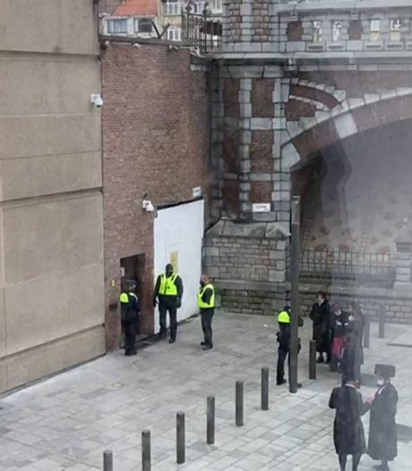 """Politie valt zelfde dag twee keer binnen in Antwerpse synagoge na te grote bijeenkomsten: """"Joodse wijken staan in brand"""""""