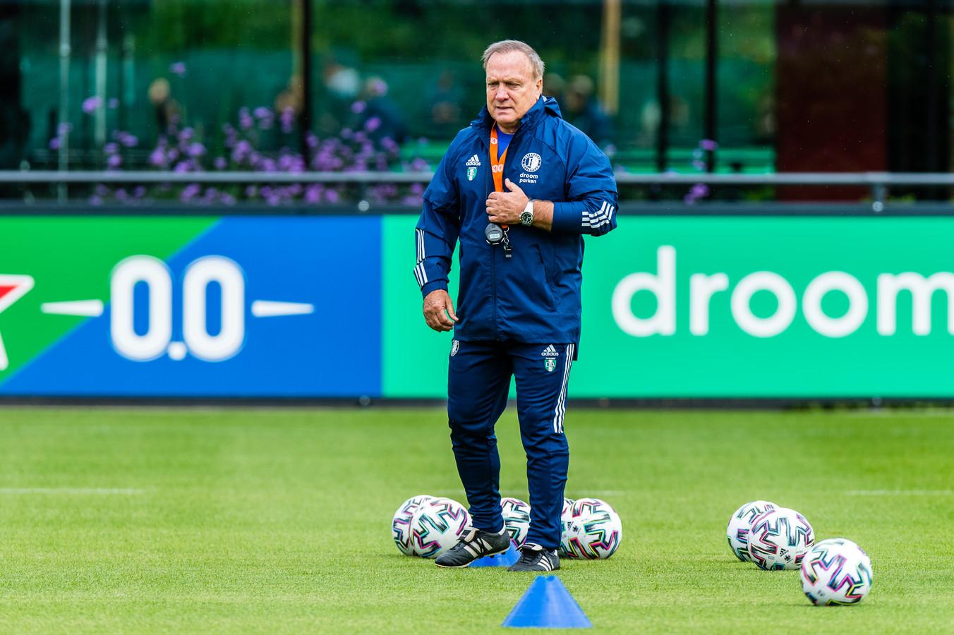 Dick Advocaat leidt de eerste training van Feyenoord in aanloop naar het nieuwe seizoen.