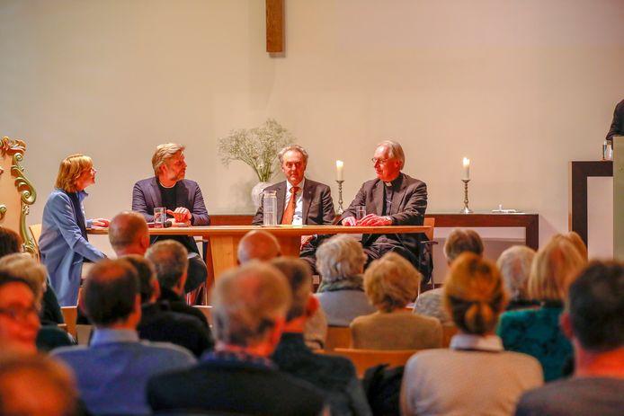 Deelnemers aan het Willibrordgesprek in Waalre.