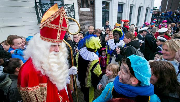 Een eerder intocht van Sinterklaas in Maassluis.