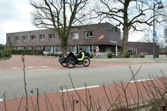 't Sprengenhus in Laag-Soeren, waar het veld van SCS achter ligt.