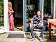 Uitbaters café piekeren zich suf na 27 besmettingen in hun zaak: 'Erger kan bijna niet'
