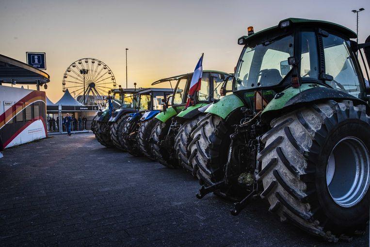 Boeren protesteren bij het Formule 1-circuit van Zandvoort. Ze toonden hun onvrede over stikstofmaatregelen en lage melkprijzen in de supermarkt.  Beeld ANP