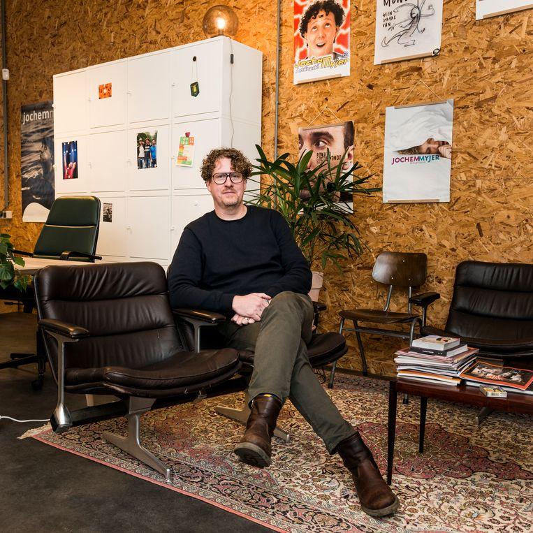 Cabaretimpresario Robert-Jan Veen van De Keet heeft onder anderen Jochem Myjer onder zijn hoede. Beeld Eva Faché