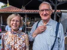Grietje Rosink en Gerrit Hermeling verrast met Borns Bijtje