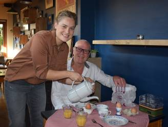 """'Vrijdag' pakt op 'Zondag' uit met nieuw ontbijtconcept aan huis: """"Mensen in hun kamerjas laten genieten van het beste wat onze streek te bieden heeft"""""""