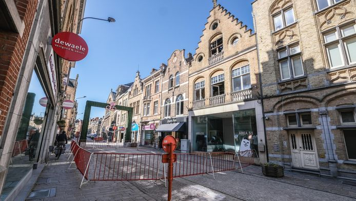 De Boterstraat is afgesloten na de zware brand van afgelopen weekend.