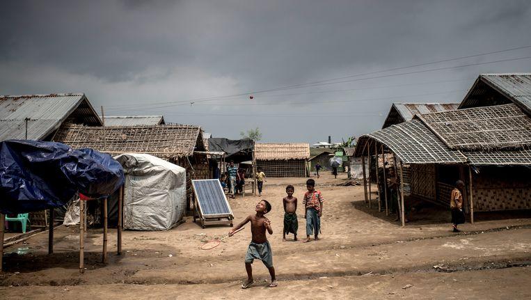 Rohingya-kinderen in een vluchtelingenkamp in Myanmar. Beeld GETTY