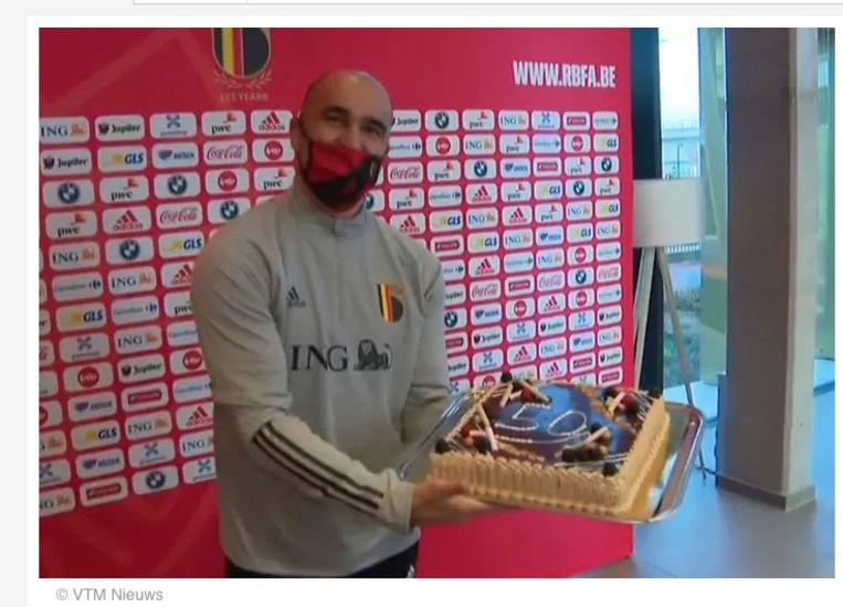 Carl Huybrechts: 'Toen Roberto Martínez onlangs zijn vijftigste interland coachte, zagen we op VTM een journalist, die betaald wordt om kritisch te zijn, een taart afgeven. In het nieuws!' Beeld VTM