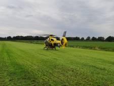 Jongetje (6) raakt zwaargewond na val van fiets in Lattrop en wordt met traumaheli naar ziekenhuis overgebracht