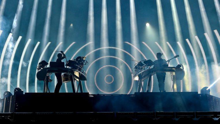 Disclosure tijdens hun optreden op het Alive Festival in Oeiras, net buiten Lissabon. Beeld EPA