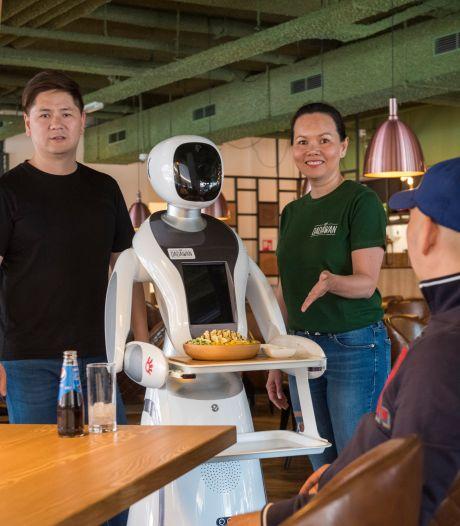 Dadawan is het eerste restaurant in Tilburg waar robots in de bediening gaan werken
