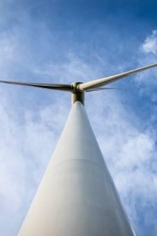 Plan voor twee 200 meter hoge windmolens bij Haringvlietdam, omwonenden zijn tegen