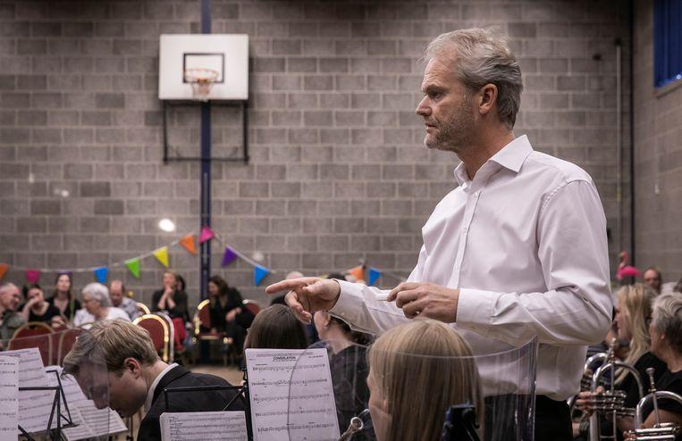 Dirigent Marcel Visser Beeld Dingena Mol