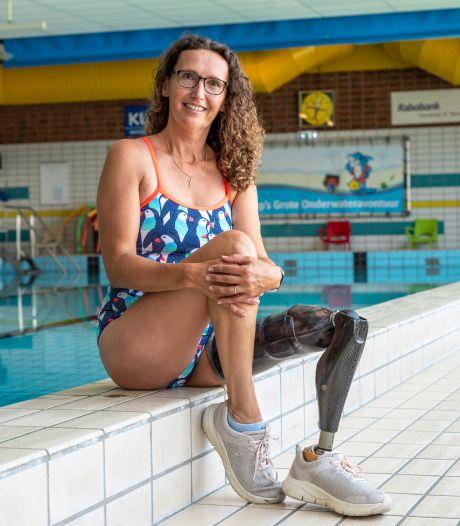 Saskia (48) is ambassadeur van Swim to fight Cancer: 'Ik sta met beide benen op de grond...nou ja, eentje dan'