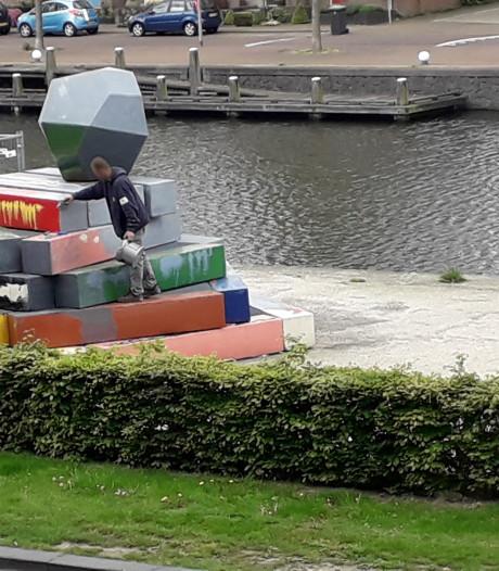 Illegale schilderbeurt voor kunstwerk in Apeldoorn krijgt een staartje voor de dader