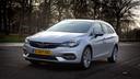 De Opel Astra heeft een nieuwe motor gekregen, maar loopt achter op het gebied van rijhulpen en veiligheid.