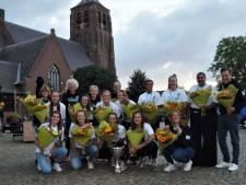 Softbalsters Roef! na succesvolle Europese week gehuldigd in Moergestel