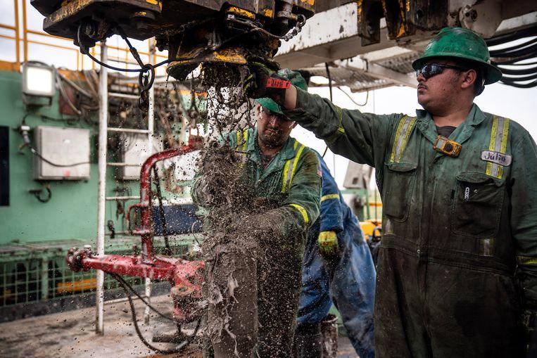 Naar olie boren in het Permbekken in West-Texas. Beeld Getty Images