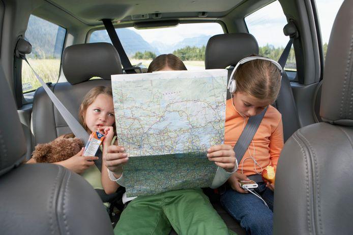 Hoe entertain je je kinderen onderweg naar je vakantiebestemming?