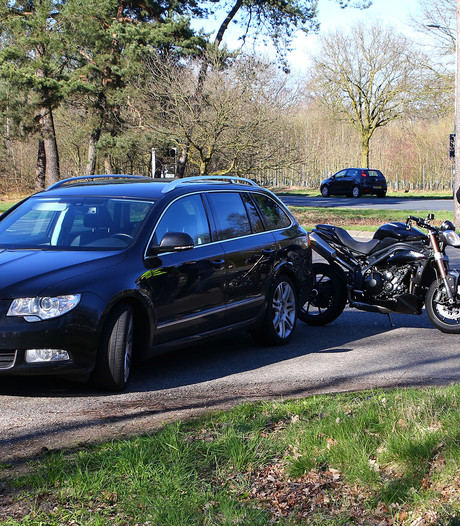 Motorrijder gewond bij aanrijding op Cereslaan in Oss