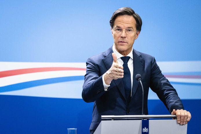 Demissionair premier Mark Rutte tijdens een persconferentie na afloop van de ministerraad