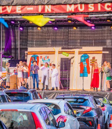 Met een drive-in theater of een livestream, de musicals van groep 8 zullen hoe dan ook doorgaan