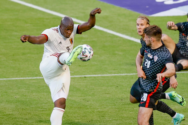 Romelu Lukaku scoort de 1-0. De spits is meer dan ooit onmisbaar voor de Duivels. Beeld BELGA
