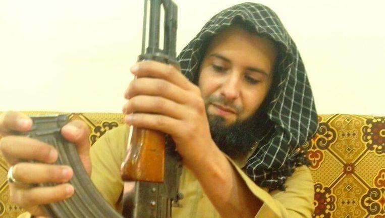 De jihadist Rachid Kassim wordt ervan verdacht vanuit de regio Irak-Syrië aanslagen in Frankrijk te hebben aangestuurd. Beeld rv