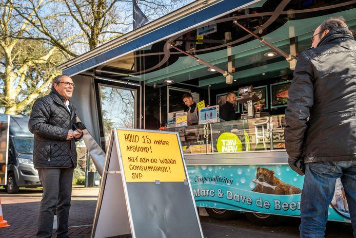 De weekmarkt in Nuenen gaat door, maar wel met een paar duidelijke verzoeken aan de klanten.