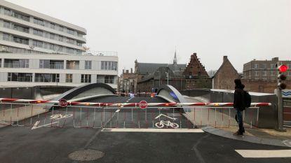 Budabrug na zoveelste defect hersteld:  verkeer verloopt weer normaal