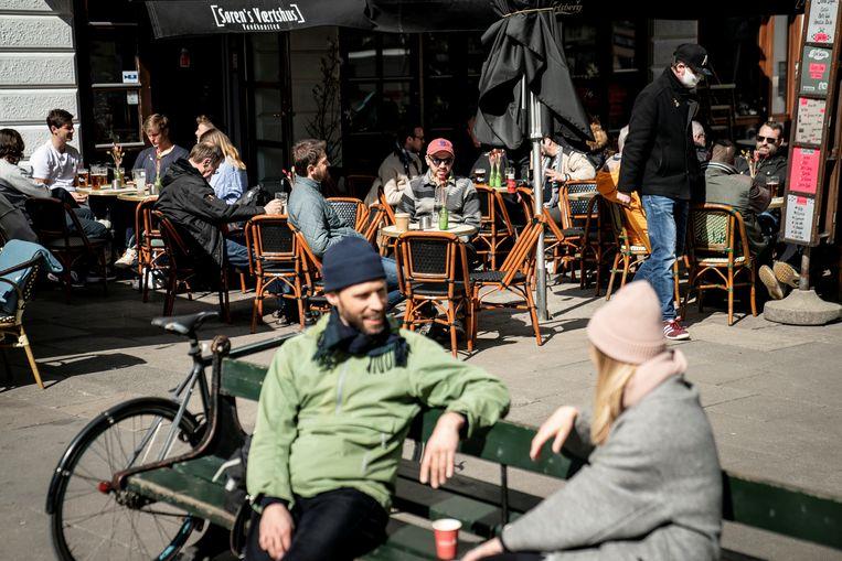 Kopenhagen op 21 april dit jaar. Inmiddels zijn ook culturele instellingen en scholen weer volledig open in Denemarken. Beeld Reuters