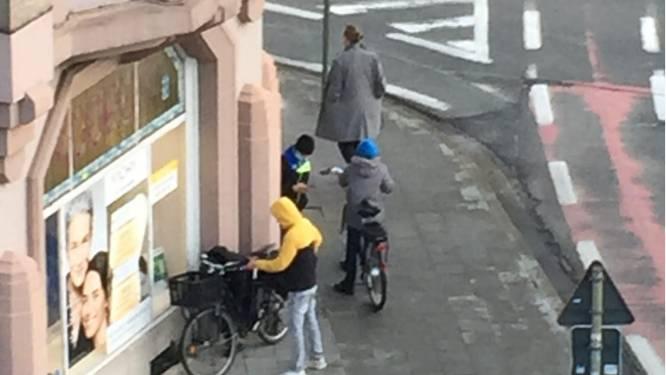 """Vier jonge dieven aan de haal met elektrische fiets: """"Zelfs mijn stevig slot werd zonder veel moeite opengebroken"""""""