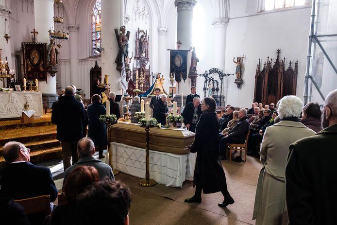 De begrafenis van Marcelle Lombaerts-Van den Bril.