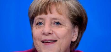 """Angela Merkel, 15 ans à la chancellerie et une popularité """"inoxydable"""""""