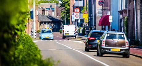 Bewoners Dordtse Noordendijk willen drempels, camera's en stil asfalt tegen hardrijders