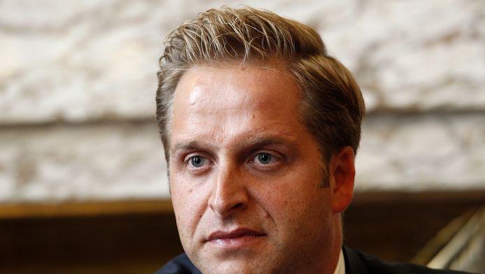 Wethouder Hugo de Jonge (zorg, CDA) volgt zijn eigen koers en niet die van minister Edith Schippers.