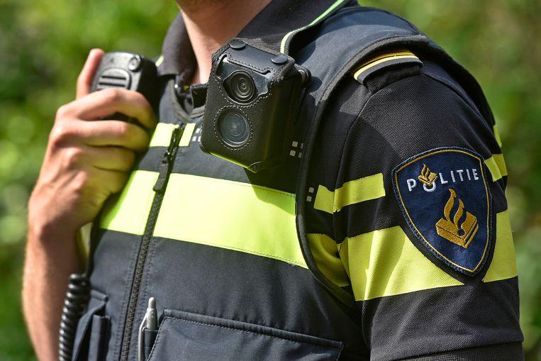 Door de levering van de uniformen via Micropakket is de veiligheid toegenomen, blijkt uit een interne inventarisatie van de politie. Beeld ANP