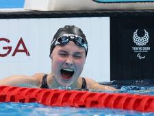 Zwemster Chantalle Zijderveld in extase na goud in Tokio