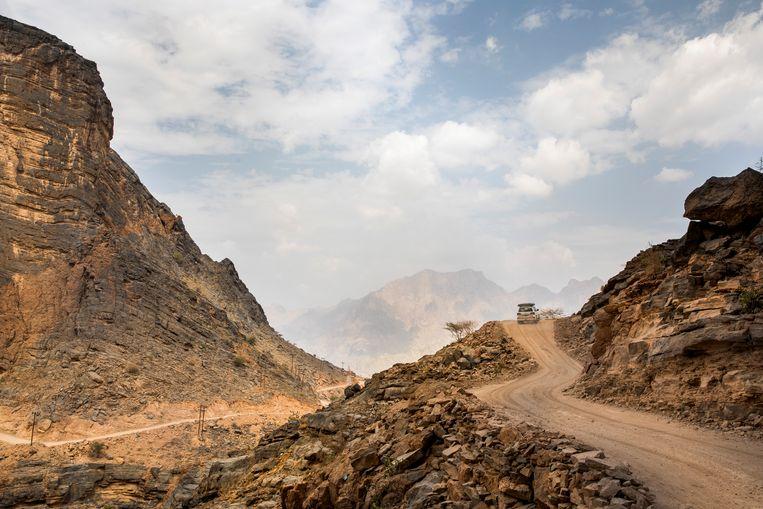 De smalle weggetjes in Wadi Bani Awf. Beeld Marie Wanders