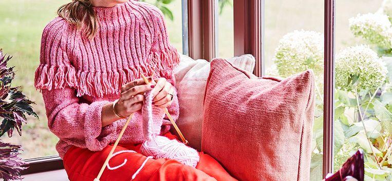 Zo maak je deze hippe trui met franje